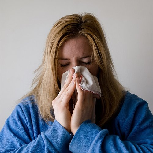 Dr Della Parker_Summertime Allergies & How You Can Help Them
