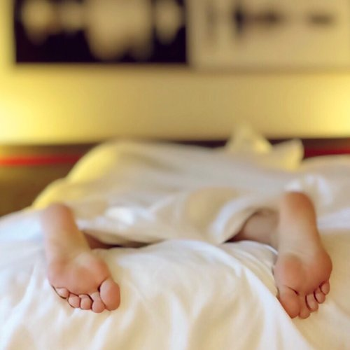Dr Della Parker_7 Ways To Optimize Your Bedroom For Sleep